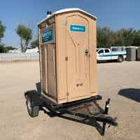 Trailer-mounted restrooms